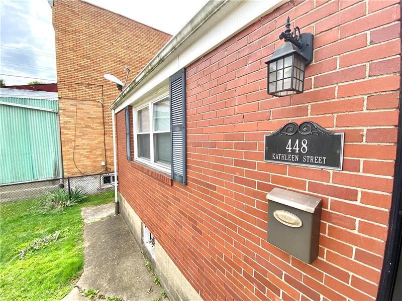 448  Kathleen St Photo 2
